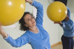 OTvest-Older_women_with_ball_exercise
